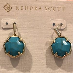 NWT KENDRA SCOTT Cynthia Drop Earrings